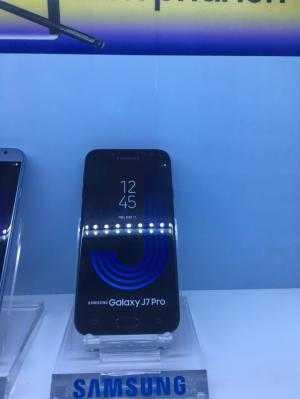 Điện thoại Samsung Galaxy J7 Pro đen trả góp 0%