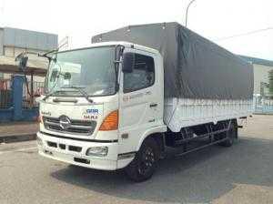 Xe tải Hino 6,4 tấn Euro 4 thùng 6,8m