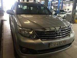 Bán Toyata Fortuner sx 2013 màu bạc