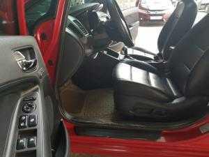 Bán Kia K3 2.0AT màu đỏ tươi xinh số tự động sản xuất 2015 full options