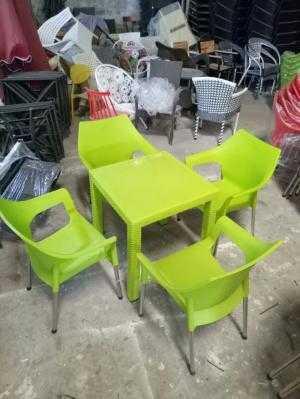 Bộ bàn ghế nhựa bành hàng hot độc lạ