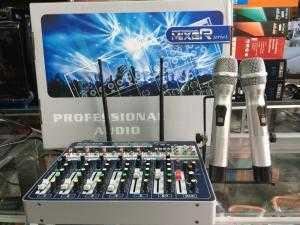 Mixer professional Audio có bluetooth và 2 micro không dây