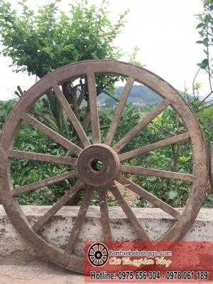 Bánh xe bò bằng gỗ cổ