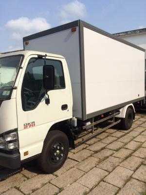 Xe tải  Isuzu thùng  kín 1t9  khuyến mãi miễn phí trước bạ  hỗ trơ vay  trả góp 90%