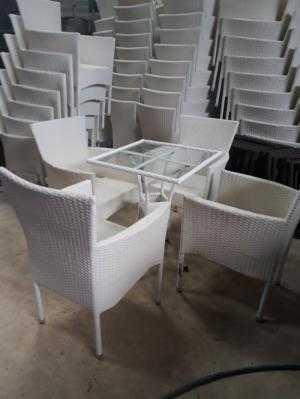 Cần thanh lý gấp bàn ghế cafe giá rẻ h35