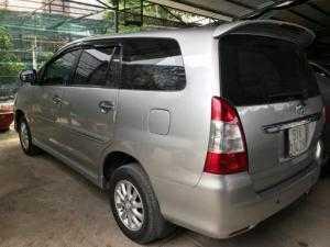 Bán Toyota INNOVA 2.0V màu bạc số tự động...