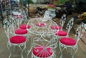 Bàn ghế sắt mỹ nghệ đẹp giá rẻ