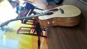 Guitar Zamaha FX 370C