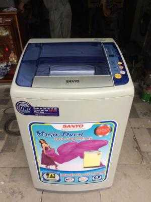Máy giặt Sanyo ASW-F100AT 7kg mới 93%
