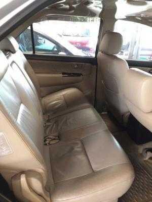 Bán Toyota Fortuner V 2.7AT máy xăng số tự động sản xuất 2014 màu bạc biển tỉnh 1 đời chủ