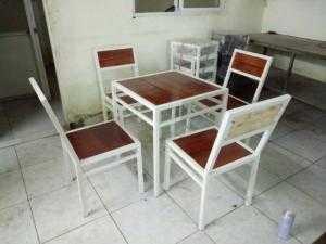 Bàn ghế gỗ xếp quán nhậu giá siêu rẻ