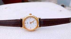 Đồng hồ quartz Nữ Adec .