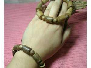 Vòng tay nam gỗ trầm hương tốc banh