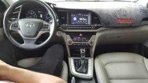 Bán Hyundai Elantra GLS 2.0AT màu trắng số tự động sản xuất 2017