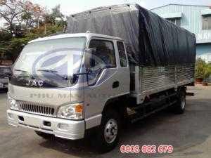 Xe tải JAC 6.4T thùng mui bạt giá cạnh tranh trên thị trường