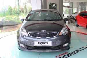 Bán ô tô Kia Rio 1.4MT Sedan 2018, màu Bạc, Nhập khẩu