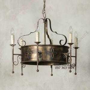 Đèn chùm Châu Âu cổ điển với thiết kế cực chuẩn phom mang lại nét đẹp bất hửu