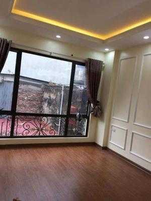 2018-05-24 21:21:36  2  Bán nhà riêng phố Thịnh Quang 37m2*5 tầng,giá 3.3 tỷ 3,300,000,000