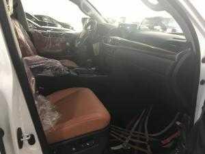 Bán Lexus LX570 Super Sport sản xuất 2018,mới 100%,xe giao ngay.