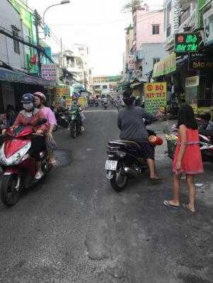 Bán nhà riêng MT Nguyễn Nhữ Lãm, trệt 2 lầu mái đúc, phố ăn uống sôi động nên rất tiện KD quán ăn
