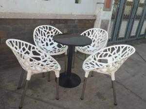 Ghế nhựa ngoài trời giá rẻ nhất hh38