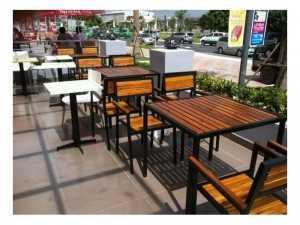Bàn ghế gỗ cà phê sân vườn giá rẻ