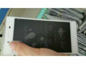 Sony z5 mới  99% ( NHẬP KHẨU)