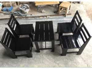 Cần thanh lý 5. Mẫu bàn ghế gỗ quán cóc