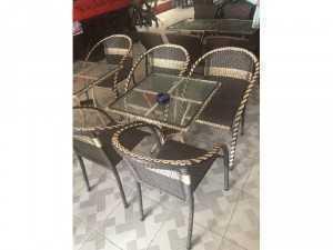Những mẫu bàn ghế cafe giá rẻ