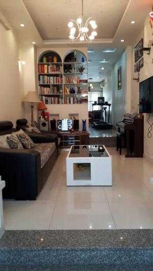 Bán nhà riêng mặt tiền đường Lê Quốc Trinh, Tân Phú, dt: 60m2, 3 tấm, đẹp như biệt thự