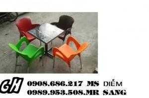 Bàn ghế nhựa chân vườn giá rẻ hgh82
