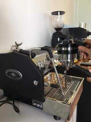 Thanh lý máy xay cà phê Compak E10 mới 98%