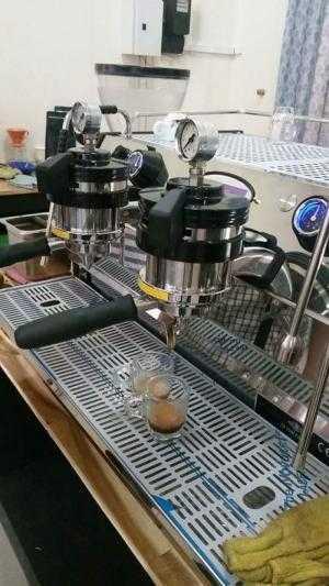 Thanh lý máy pha cà phê chuyên nghiệp La Marzocco Stada Mp 2 group.