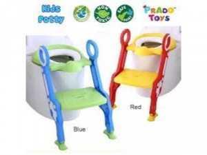 Ghế ngồi toilet Thiết kế bậc thang và tay vịn an toàn, giúp bé ngồi dễ dàng.