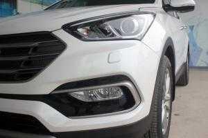 Hyundai Santa Fe màu trắng có sẵn, giao ngay