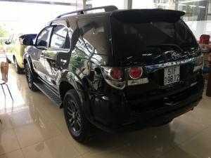 Fortuner 2015 AT, máy xăng, màu đen, xe đẹp lung linh