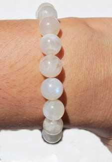 Vòng tay phong thủy Thạch anh trắng tăng cường sức khỏe, mang nhiều may mắn tài lộc
