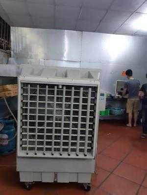 Quạt hơi nước công nghiệp dùng cho nhà xưởng, diện tích rộng