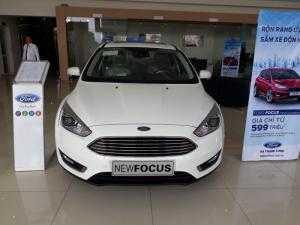 Bán xe Ford Focus Titanium 1.5L (bản đủ) sản xuất 2018, giao xe ngay