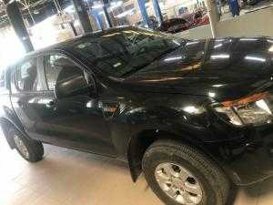 Bán Ford Ranger XL 4x2 MT sx 2015 màu đen