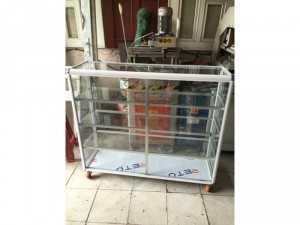 Tủ nhôm kính loại tủ bán hàng
