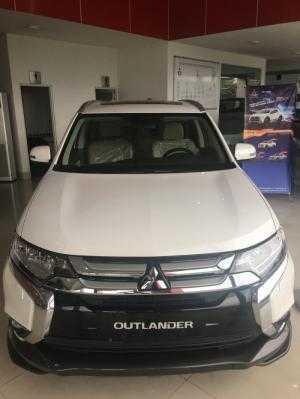 Mitsubishi Outlander 2.4 CVT hỗ trợ ngân hàng lên đến 90% và lãi suất ưu đãi