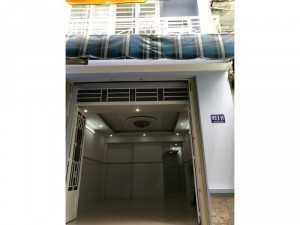 Bán nhà: 1 trệt, 1 lầu: 80m2, sổ hồng chính chủ, vị trí trung tâm