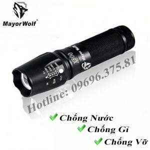 Đèn pin siêu sáng chống nước X800