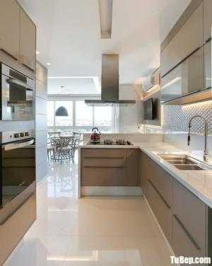Tủ bếp chất liệu melamine kết hợp bàn đảo – TBN0152