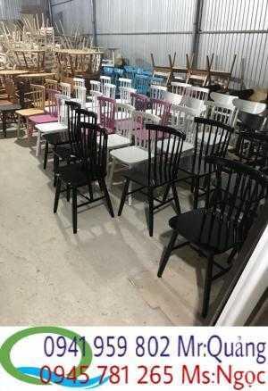 Thanh lý gấp 35 bộ bàn ghế cafe gỗ xếp giá rẻ
