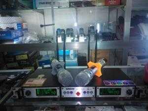 Micro không dây Shure UR29D Plus cao cấp bộ 2 micro,có bán trả góp