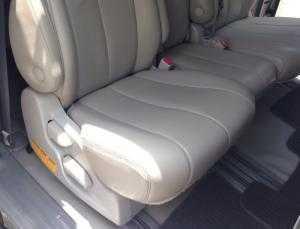 2018-07-18 16:43:08  5  Cần bán xe Toyota Sienna 2.7LE 2011 màu bạc nhập Mỹ 1,180,000,000