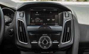 Sẵn xe giao ngay Ford Focus Titanium, sport 2018 tặng tiền mặt, phụ kiện