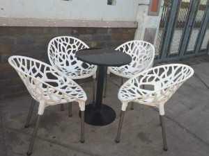 Bàn ghế cafe ghế táo giá tại công ty sản